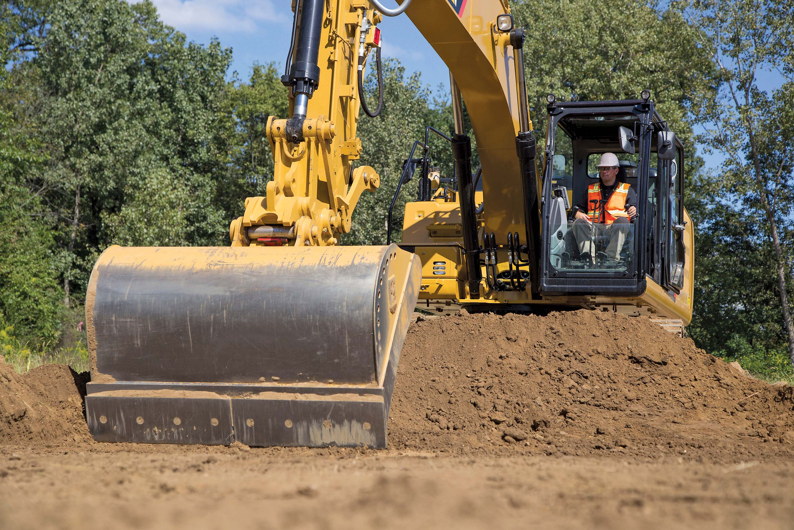 Caterpillar S Grade With Assist For Excellent Excavator Grade Control Aggregates Business