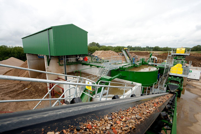 sheehan-cd-waste-recycling-plant-from-head-of-conveyor-walkwayjpg.jpg