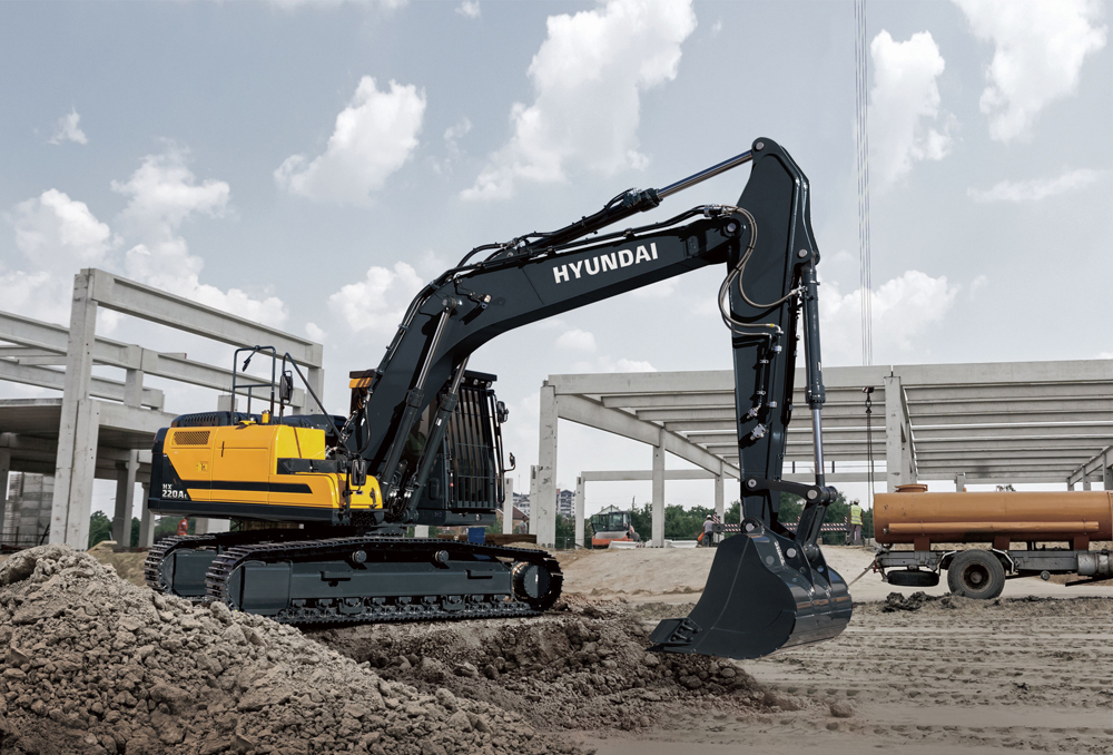 The HX220AL is one of Hyundai's first Stage V-ready machines