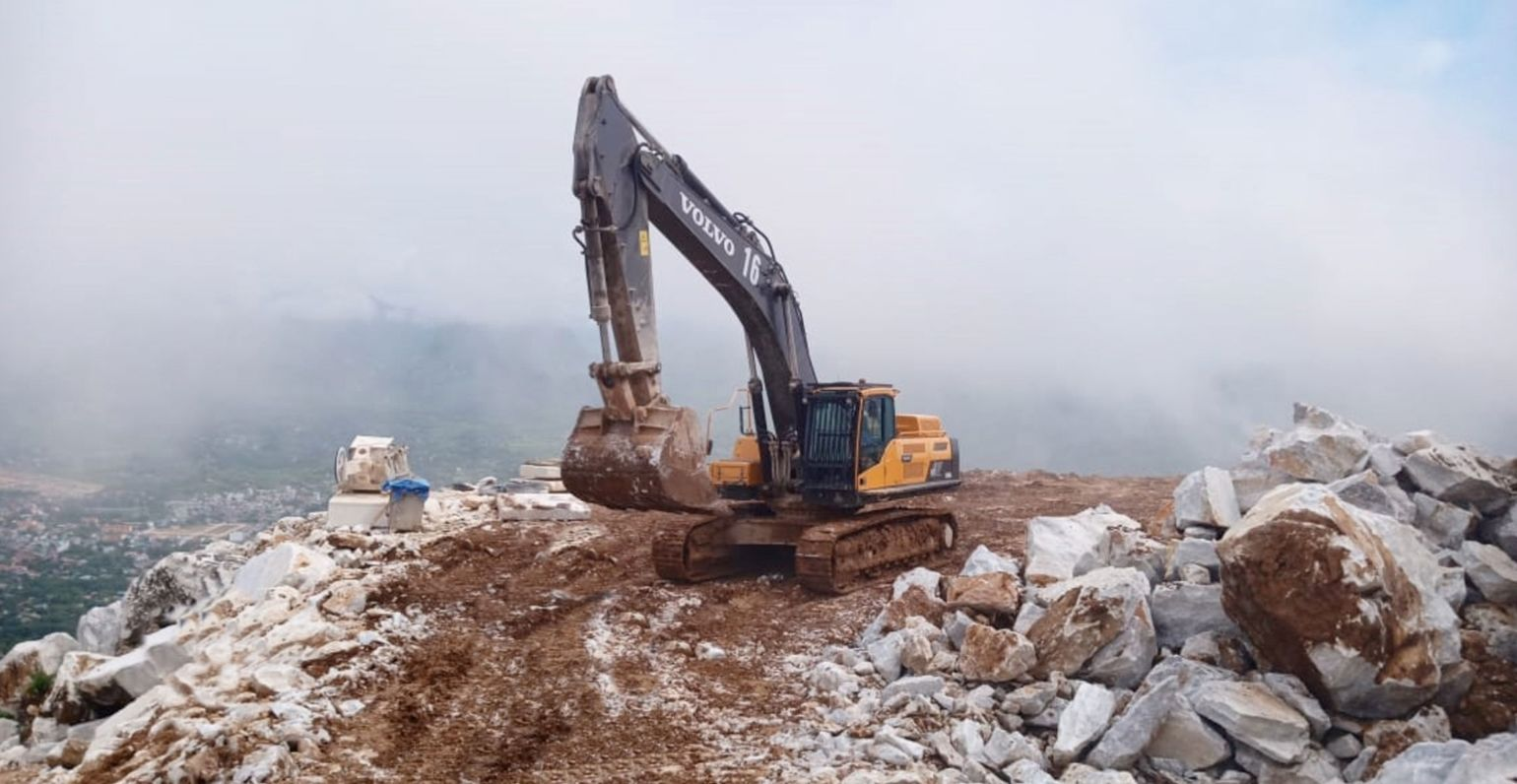 A EC480DL crawler excavator in operation at the Yen Bai Province marble quarry