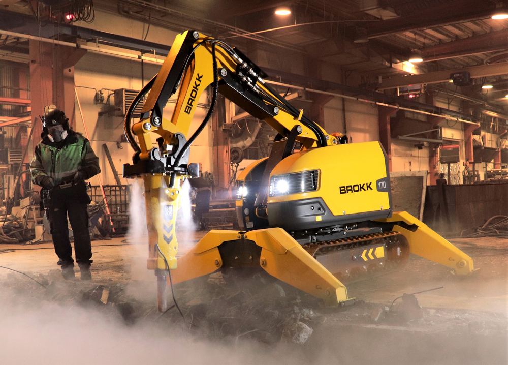 Brokk's new dust suppression system produces atomised fog that effectively binds dust particles in the air while also providing ground-level dust suppression