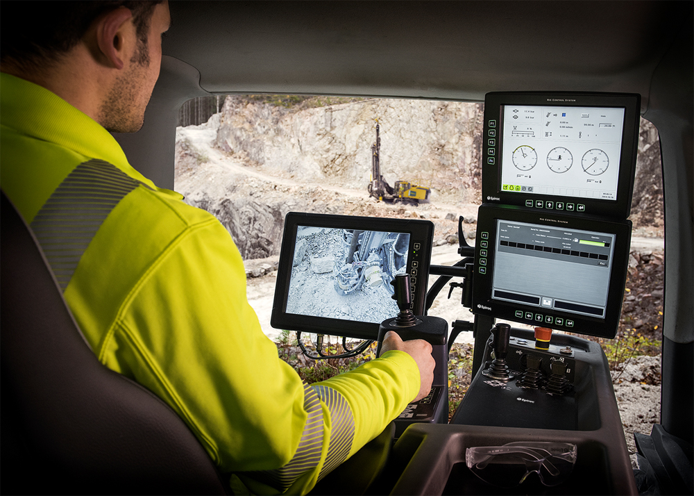 The Epiroc BenchREMOTE remote operator station enables operators to control multiple SmartROC surface drill rigs from a distance