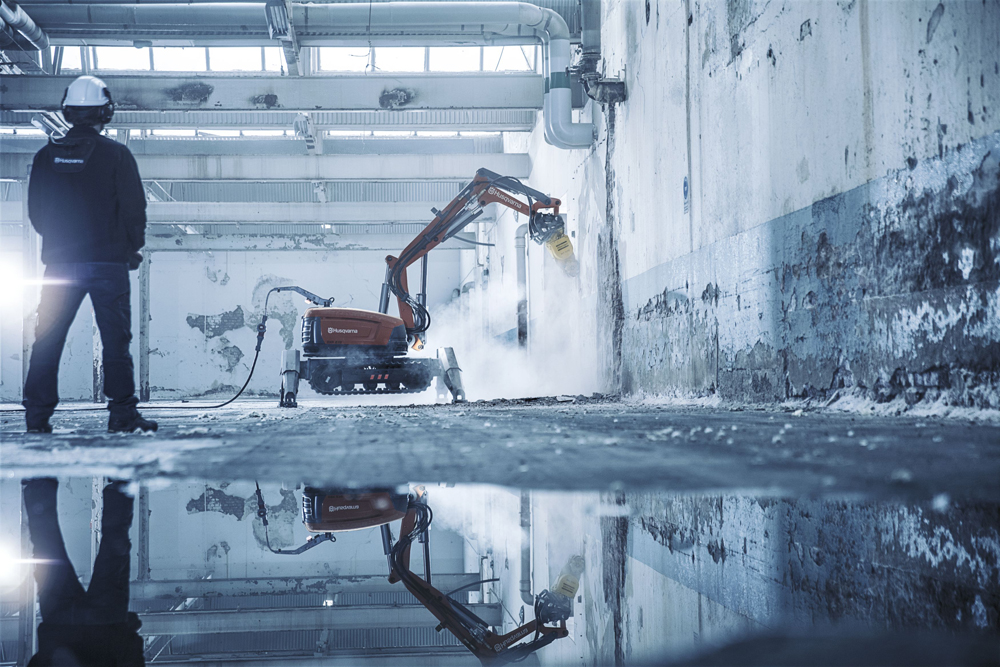 Robots are now using a water-based dust control system which is ideal for dealing with airborne contaminants
