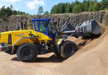 Tayside Contracts' new DL350-5 wheeled loader in operation