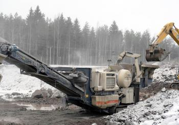 Pärhä Oy's primary crushing is done by the diesel-powered/electrical Lokotrack LT120 jaw crusher