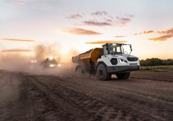 The new Liebherr TA 230 Litronic dump truck offers the option of extra-powerful LED headlights that can illuminate the entire working area