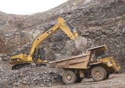 Wainwright's new CAT 365C at Moons Hill quarry