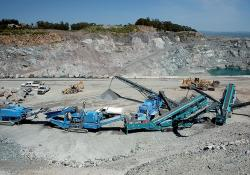 Tracked machines operating at Dutra's basalt quarry